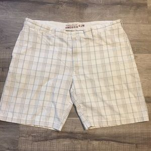 Perry Ellis plaid shorts. Size 42W